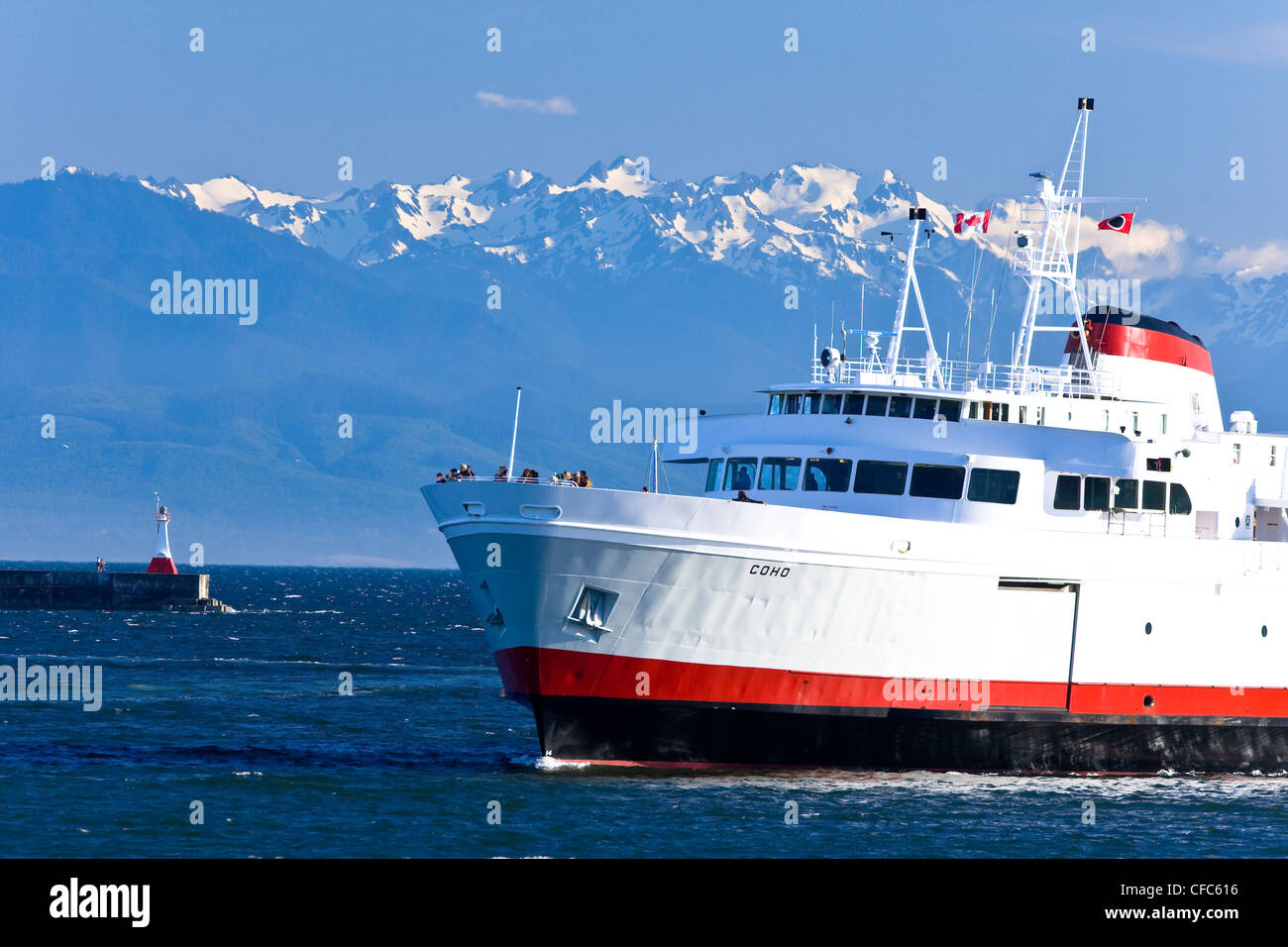The MV Coho plies waters Juan De Fucbetween - Stock Image