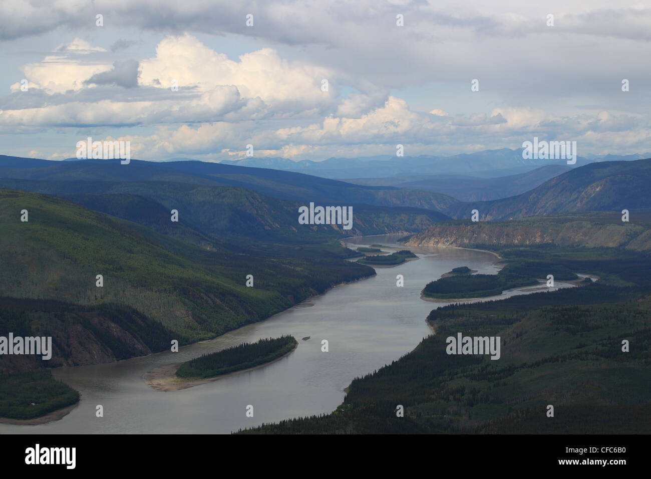 The Yukon River seen from Midnight Dome as it heads north, Dawson City, Yukon, Canada. - Stock Image