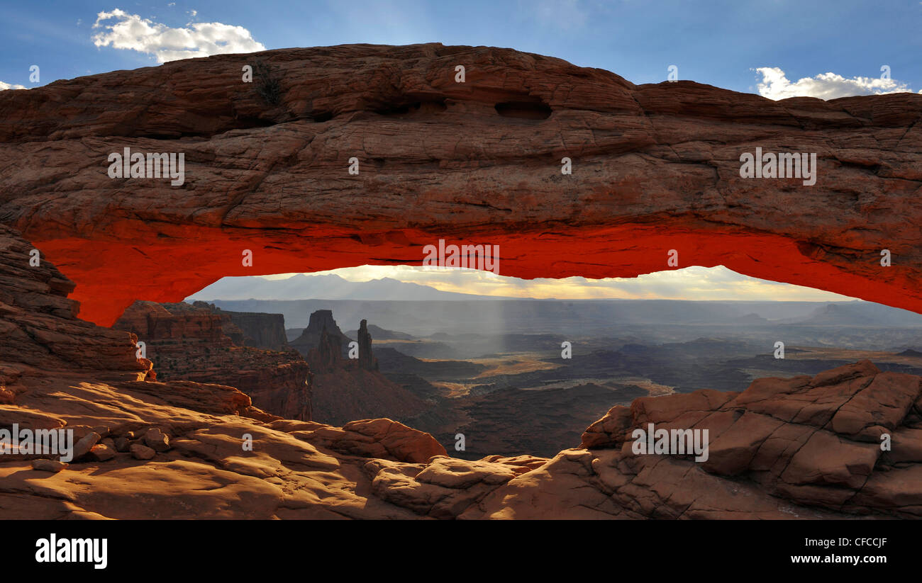 Mesa Arch, Canyonlands National Park, Utah, USA - Stock Image