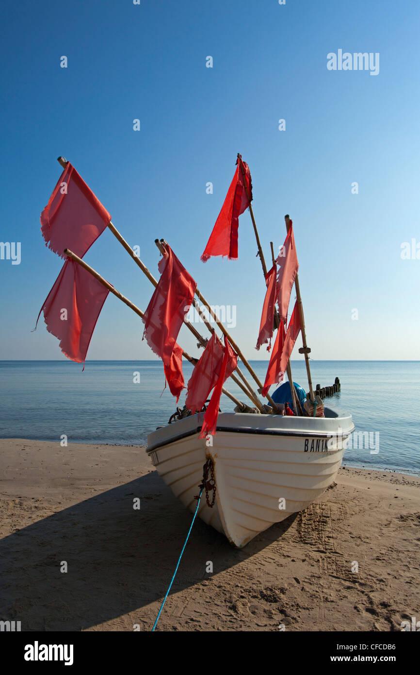 Fishing boat on the beach, Bansin seaside resort, Usedom island, Baltic Sea, Mecklenburg-West Pomerania, Germany - Stock Image