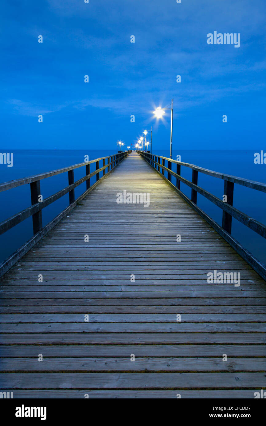 Pier in the evening, Bansin seaside resort, Usedom island, Baltic Sea, Mecklenburg-West Pomerania, Germany - Stock Image