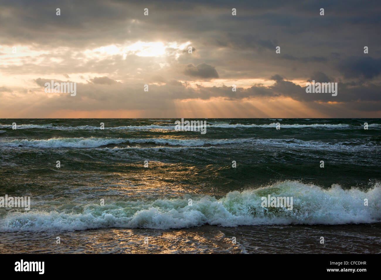 Thunderclouds at Darss west beach, Fischland-Darss-Zingst, Baltic Sea, Mecklenburg-West Pomerania, Germany - Stock Image