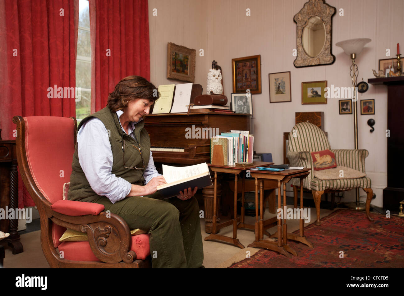 Archivist Magda Sagarzazu in Canna House, Canna, Inner Hebrides. The Island is owned by the Natural Trust for Scotland. - Stock Image