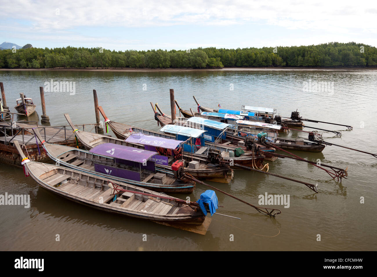 At Krabi (Thailand),  Asian water crafts of a distinct appearance: the long-tail boats. Bateaux à longue queue - Stock Image