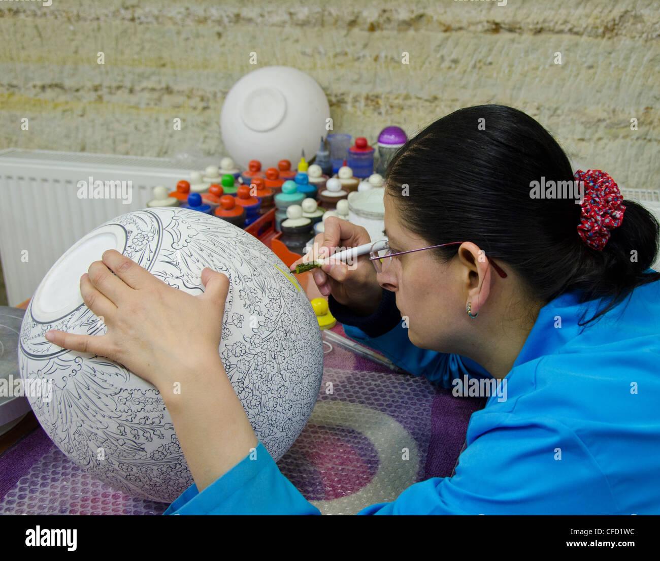 Craft workers in Avanos, Cappadocia, also Capadocia, Central Anatolia, largely in Nevşehir Province, Turkey Stock Photo