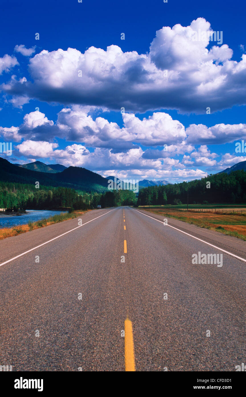 road by Elk River at Morrisey, near Fernie, British Columbia, Canada. - Stock Image