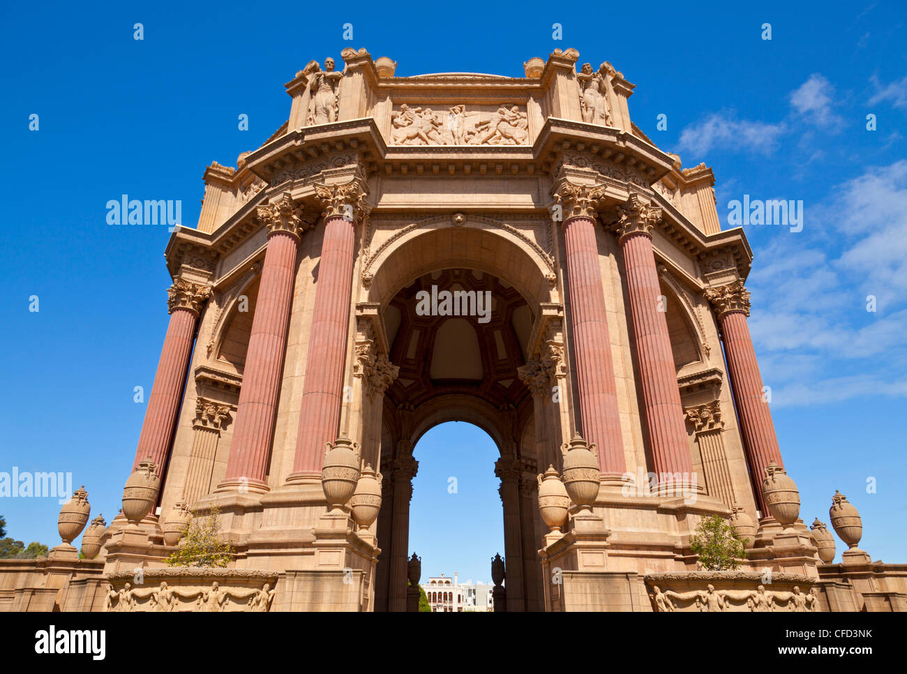 Palace of Fine Arts, built by Bernard Maybeck as a ruin in 1915 for the Expo, San Francisco, California, USA - Stock Image