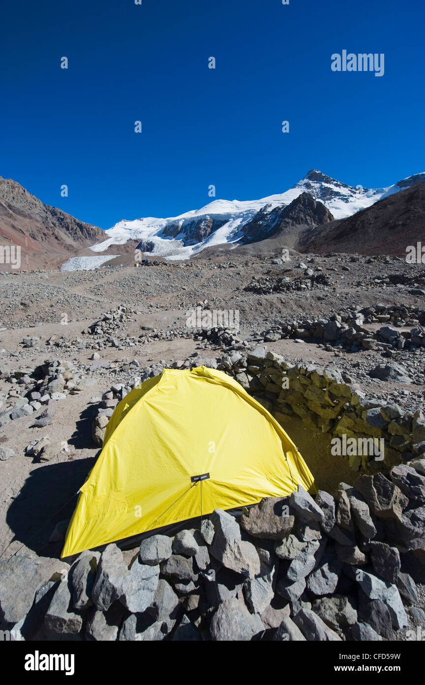 Tent at Plaza de Mulas base camp, Aconcagua 6962m, Aconcagua Provincial Park, Andes mountains, Argentina - Stock Image