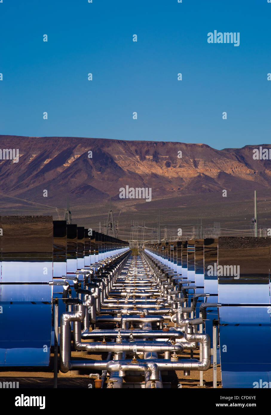 Oil pipes parabolic mirrors Solar One  solar - Stock Image
