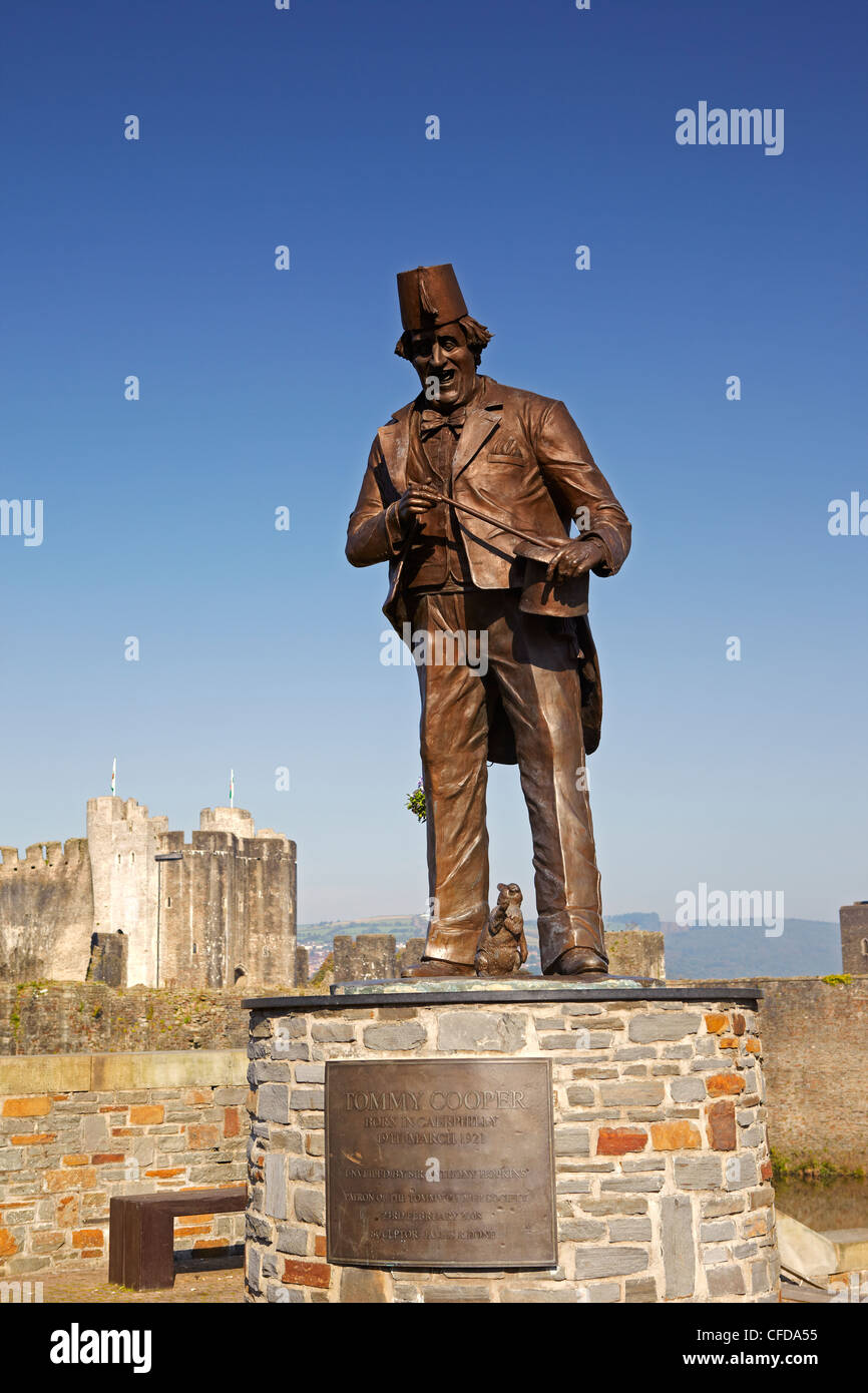 Statue of the Comedian Tommy Cooper near Caerphilly Castle, Caerphilly, South Wales, UK - Stock Image