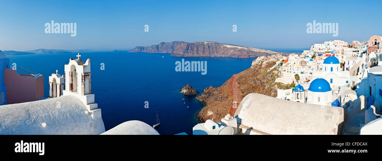 Blue domed churches in the village of Oia, Santorini (Thira), Cyclades Islands, Aegean Sea, Greek Islands, Greece, Stock Photo
