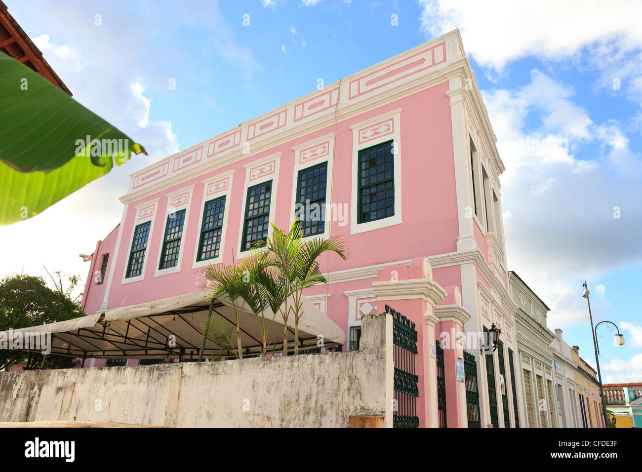 Colorful Colonial Houses Stock Photos & Colorful Colonial Houses ...