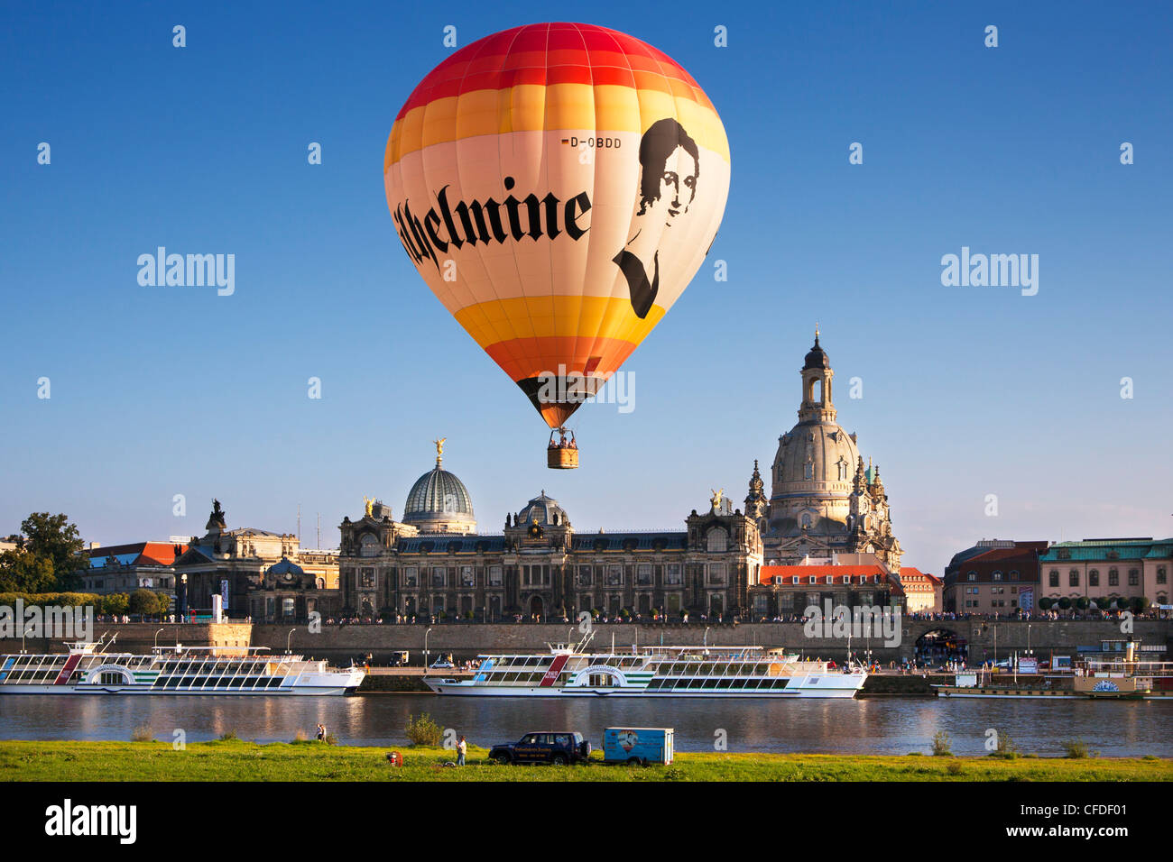 Balloons rising from the Elbe riverbank, Bruehlsche Terrasse and Frauenkirche in the background, Dresden, Saxonia, - Stock Image