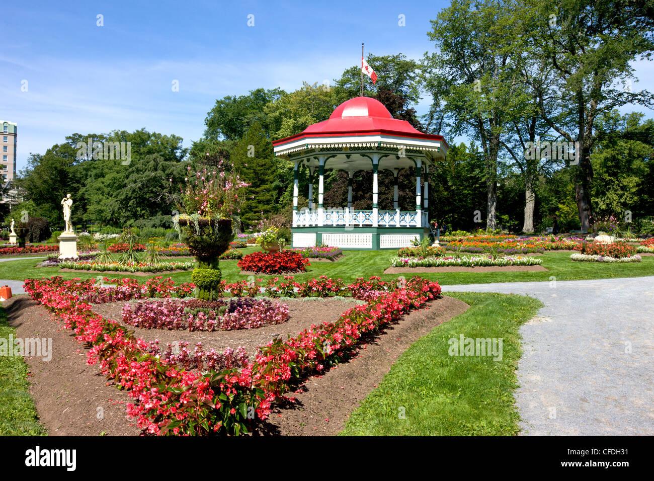 Merveilleux Gazebo, Halifax Public Gardens, Halifax, Nova Scotia, Canada ...