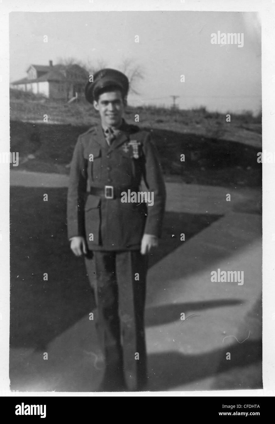 Man in dress uniform 1940s WWII greatest generation USMC - Stock Image