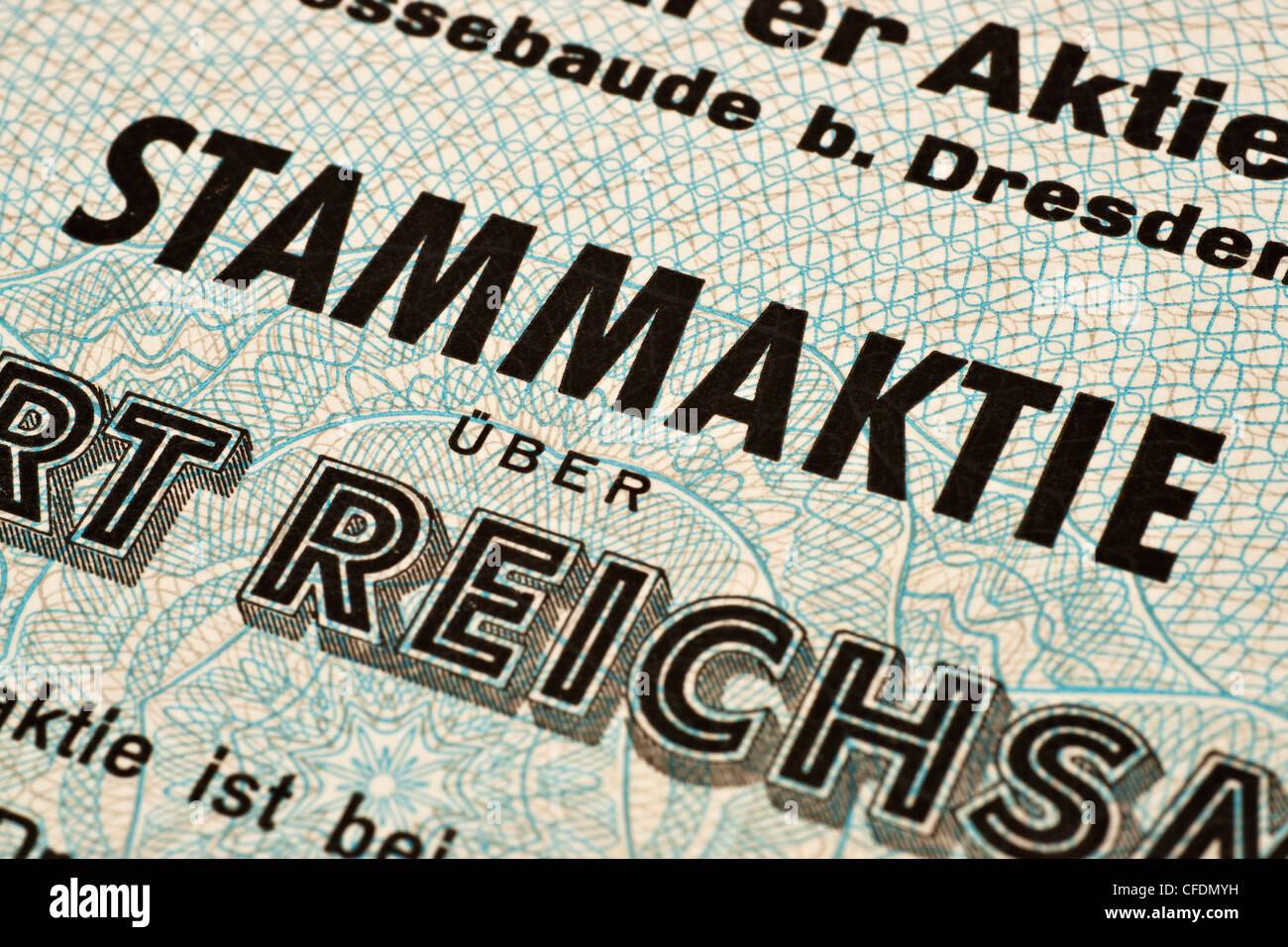 Teilansicht einer alter deutschen Stammaktie   partial view of an old German common share - Stock Image