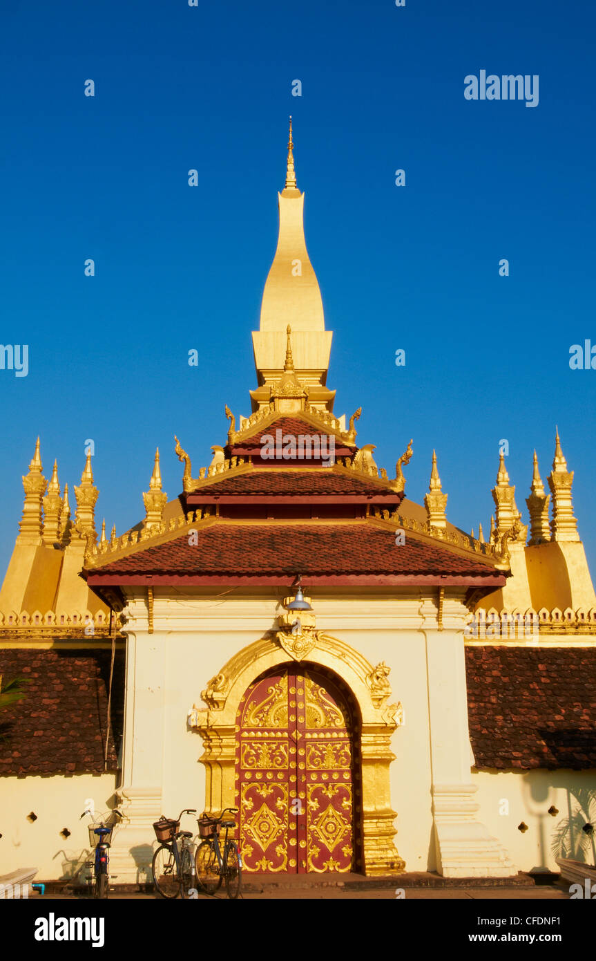 Pha That Luang, symbol of the Laos sovereignty, Buddhist religion and the city of Vientiane, Vientiane, Laos, Indochina - Stock Image