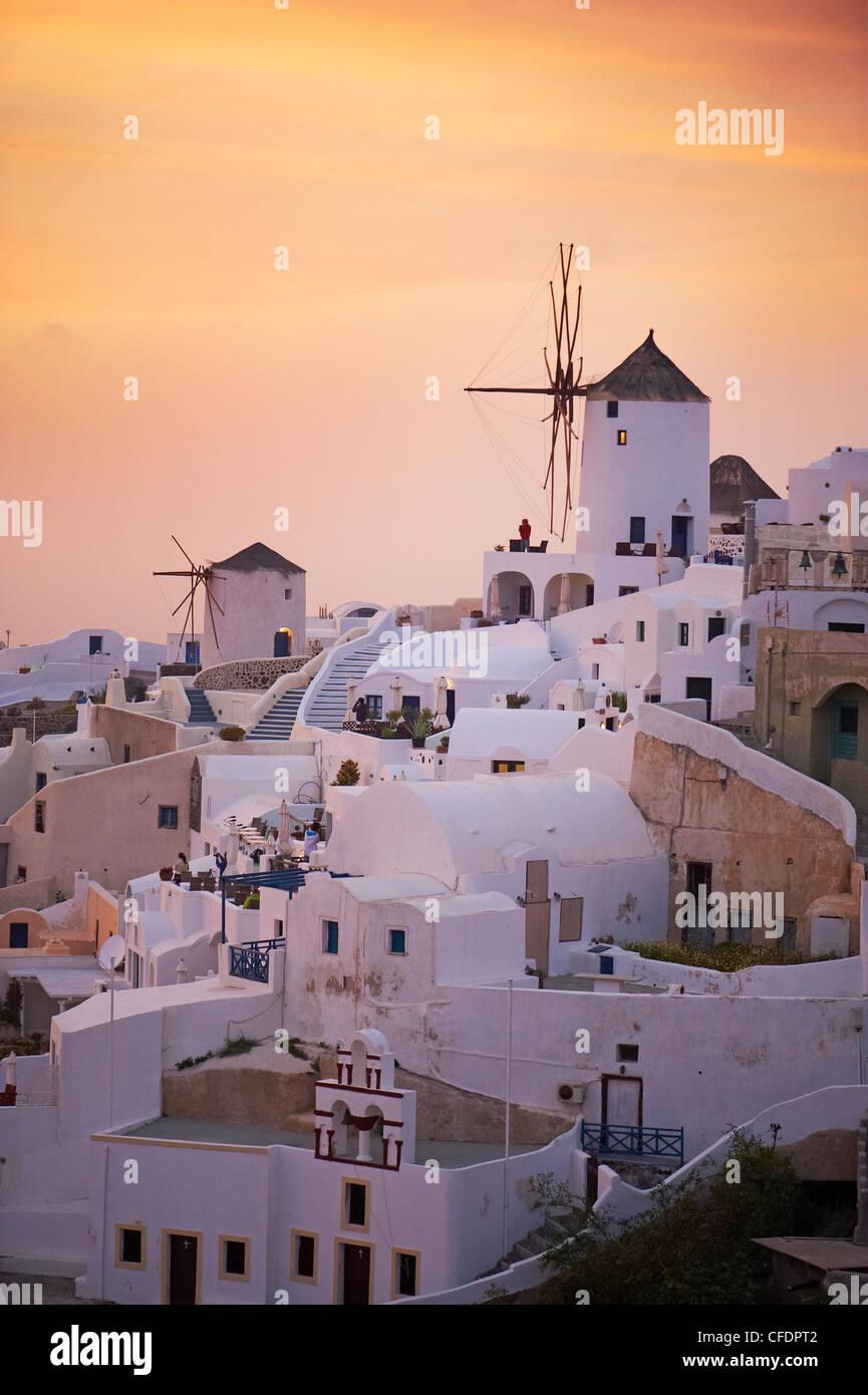 Oia (Ia) village and windmill, Santorini, Cyclades, Greek Islands, Greece, Europe - Stock Image
