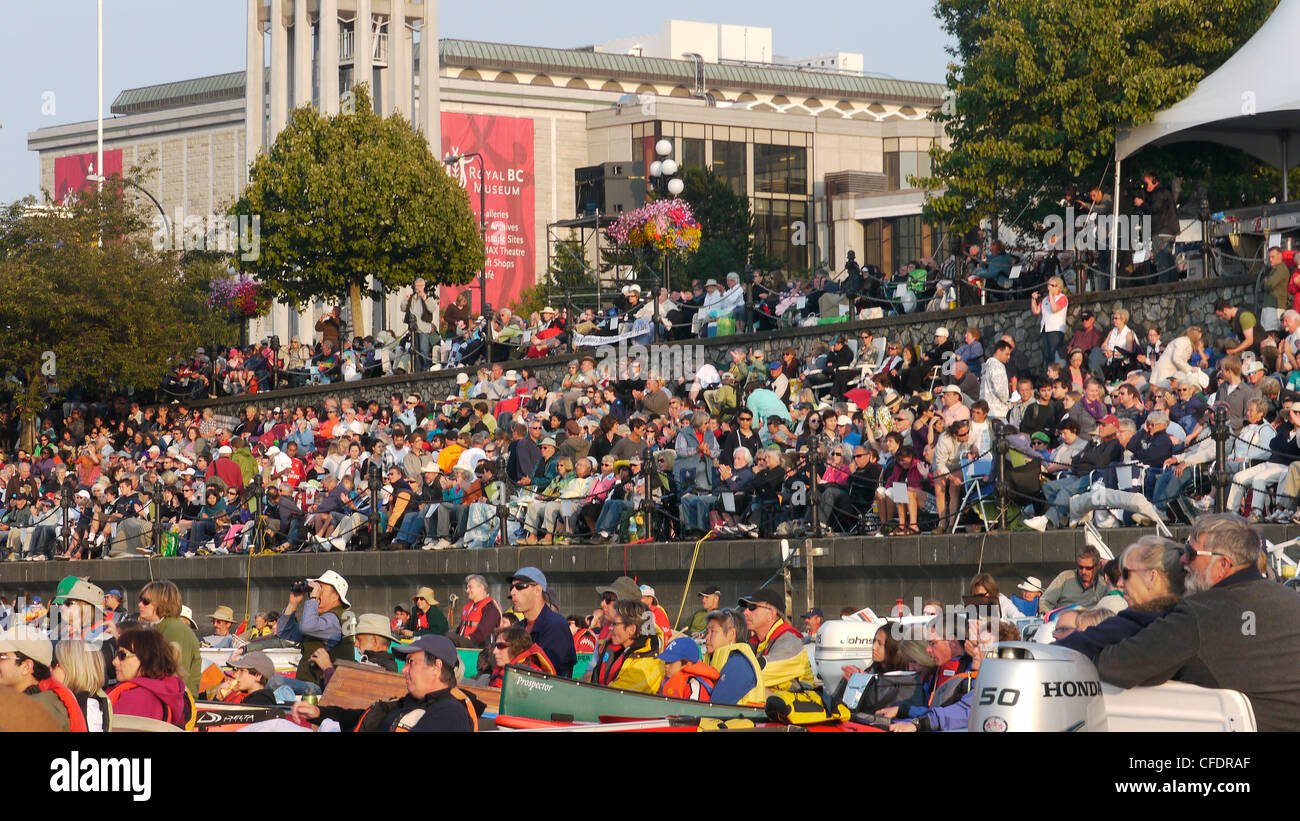 Crowds gather for the annual floating Symphony Splash in Victoria Harbour, British Columbia, Canada - Stock Image