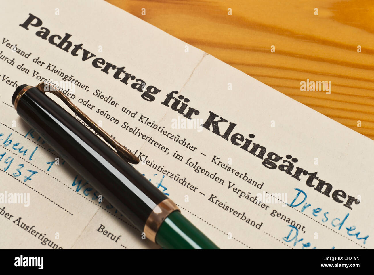 old lease contract for allotment holders from 1968, German language and a fountain pen - Stock Image