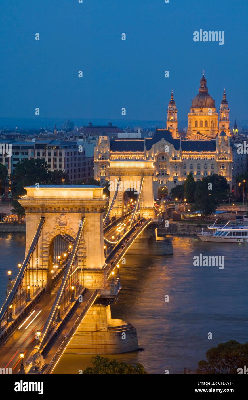 Chain Bridge (Szechenyi Lanchid), Budapest, Hungary - Stock Image