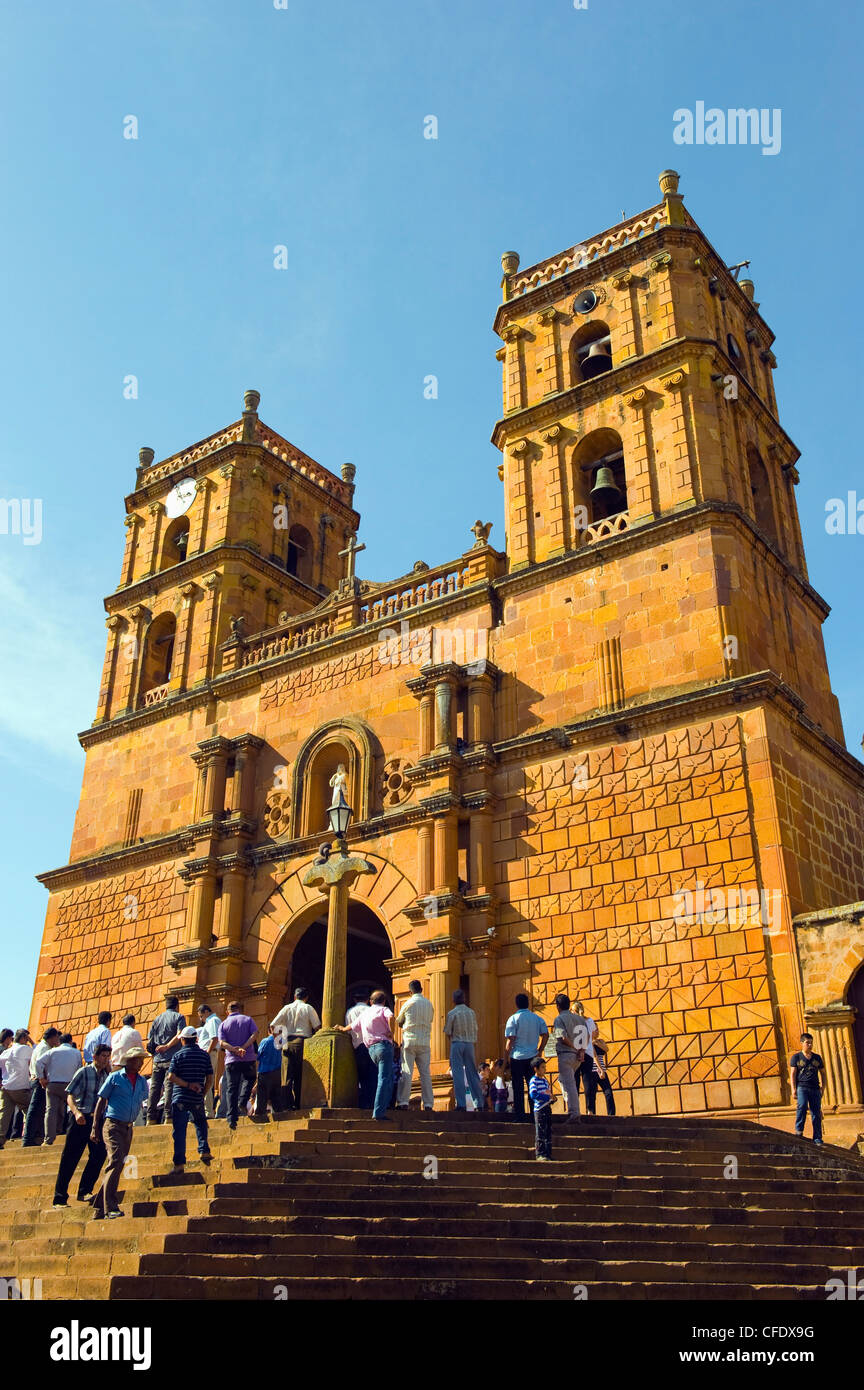 Congregation at Catedral de la Inmaculada Concepcion (Cathedral of the Immaculate Conception), Barichara, Colombia - Stock Image