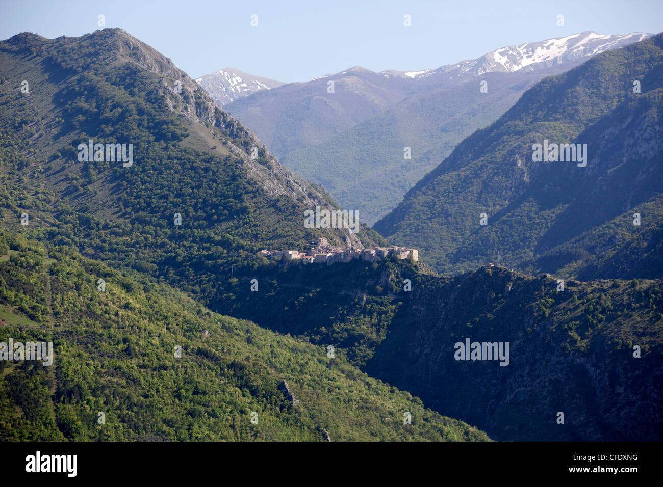 View of Castrovalva the Abruzzi village depicted by Escher, Abruzzi, Italy, Europe - Stock Image
