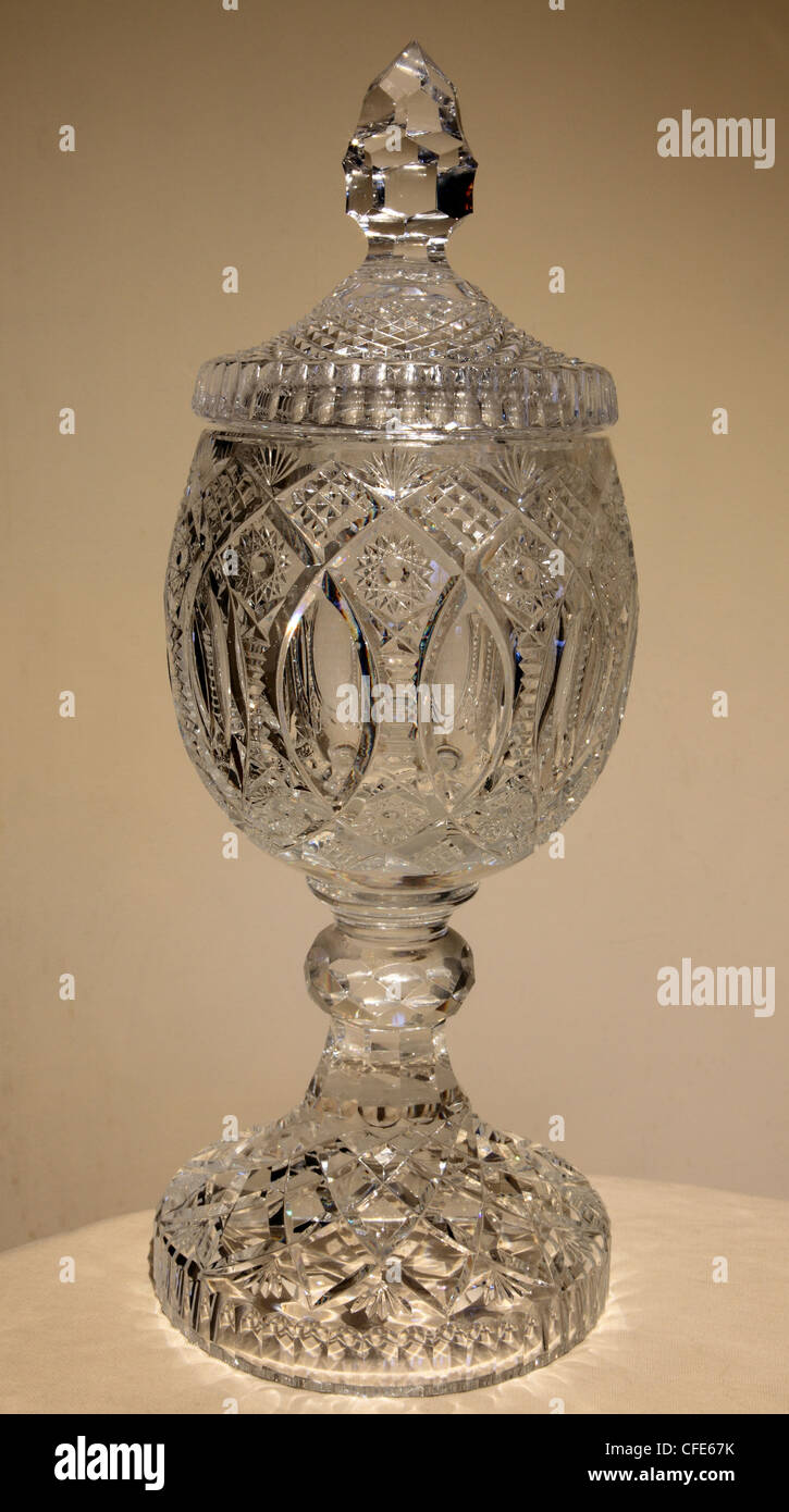 Waterford crystal urn, 20th century - Stock Image