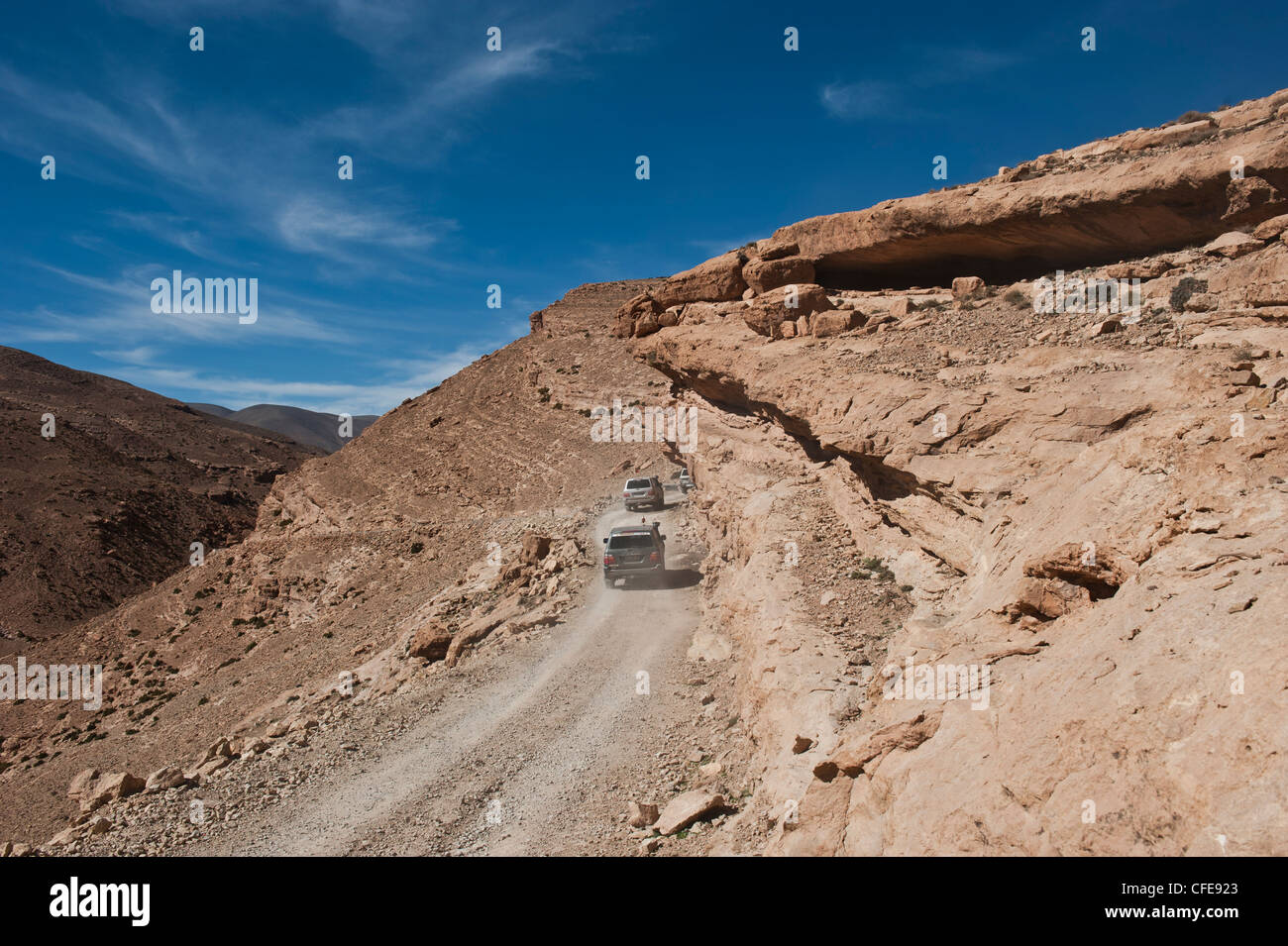 4x4 wheel drive car in the Todra valley, Atlas Mountains, Morocco. - Stock Image