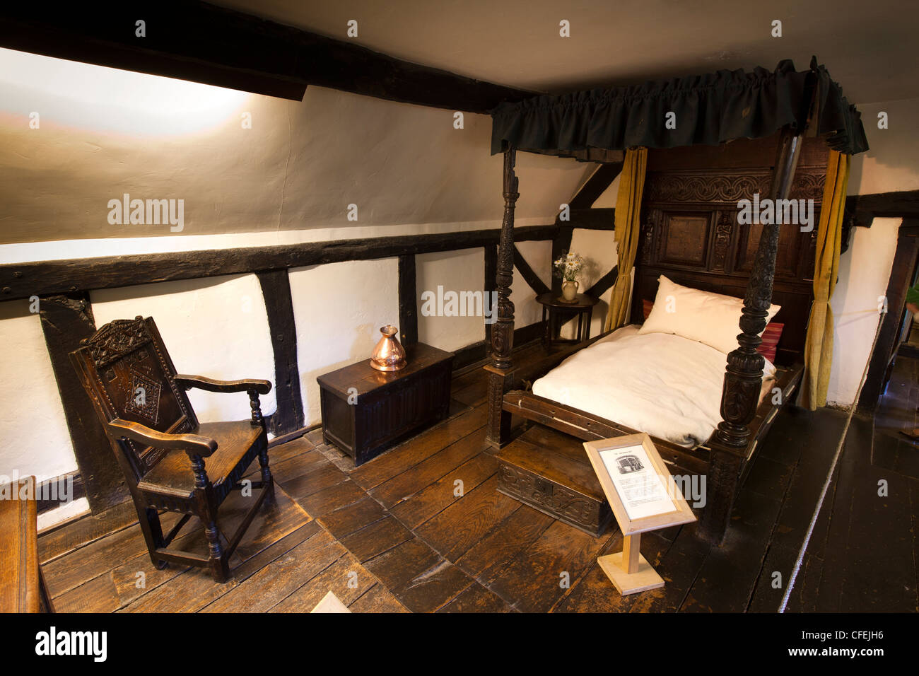Warwickshire, Shottery Anne Hathawayu0027s Cottage Interior, Hathaway Bed And  Shakespeare Courting Chair