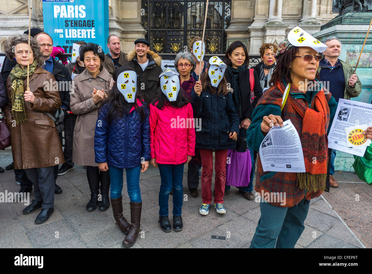 Paris, France, Anti Nuclear Power Activists Demonstrating on Anniversary of Fukushima Disaster,  Japanese Family, - Stock Image
