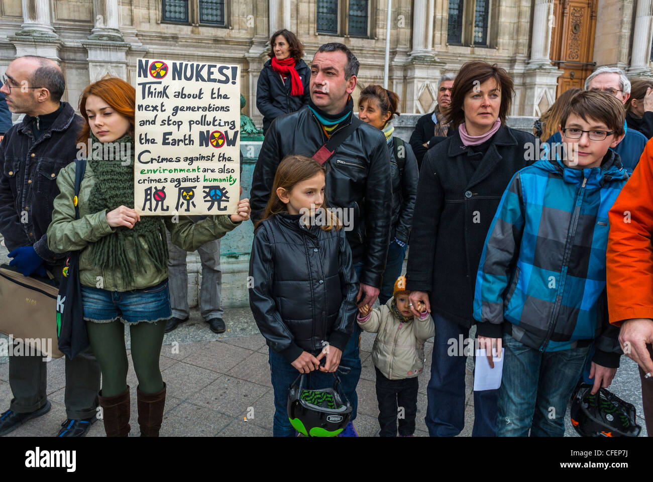 Paris, France, Anti Nuclear Power Activists Demonstrating on Anniversary of Fukushima Disaster, French Family protesting, - Stock Image