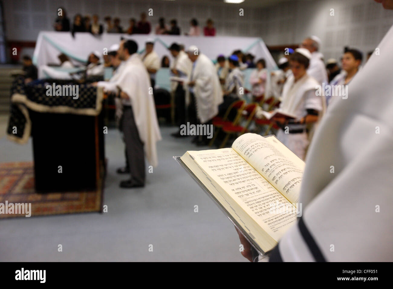 Torah reading in a synagogue, Paris, France, Europe - Stock Image