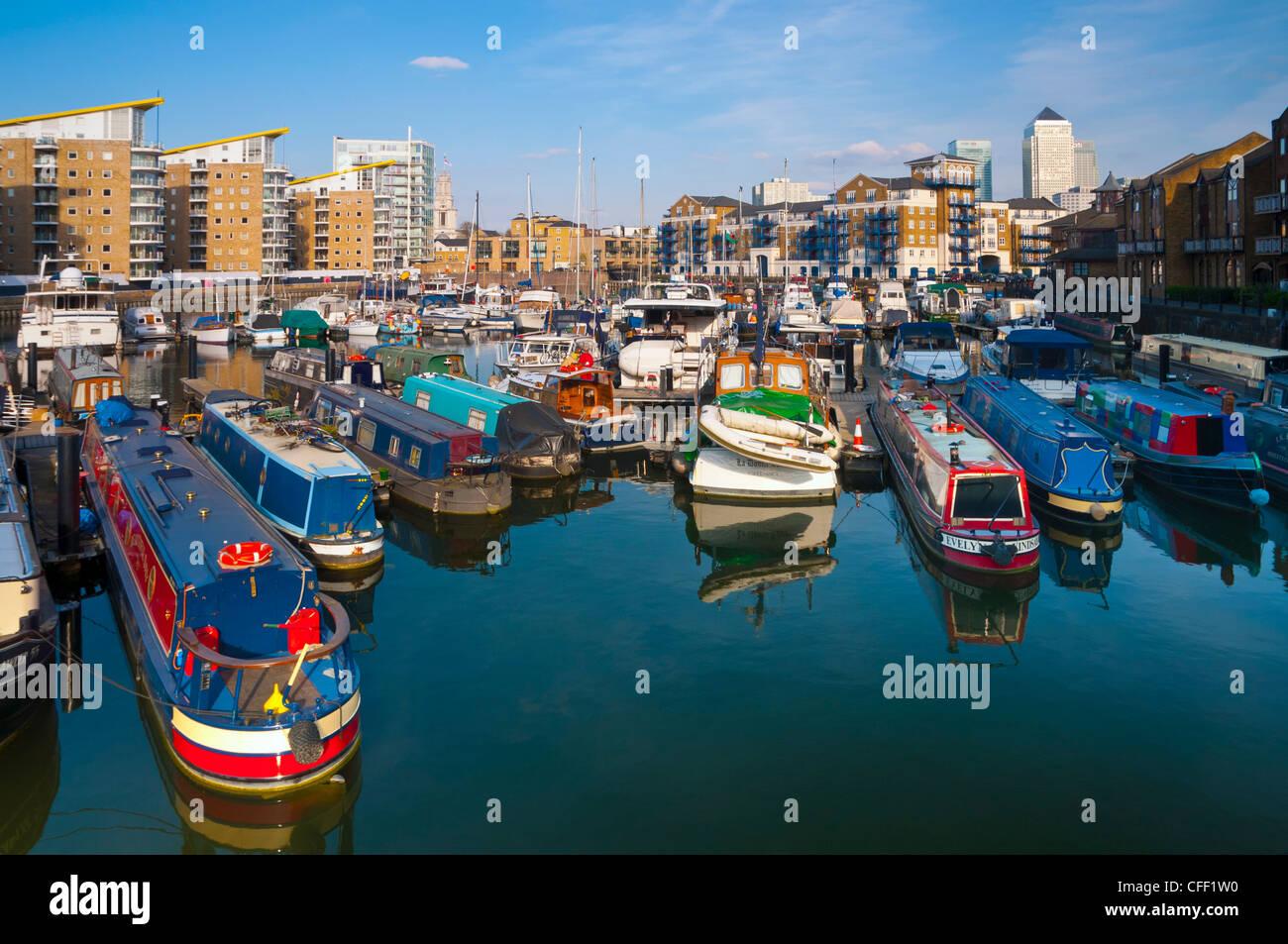 Limehouse Basin and Canary Wharf beyond, London, England, United Kingdom, Europe - Stock Image