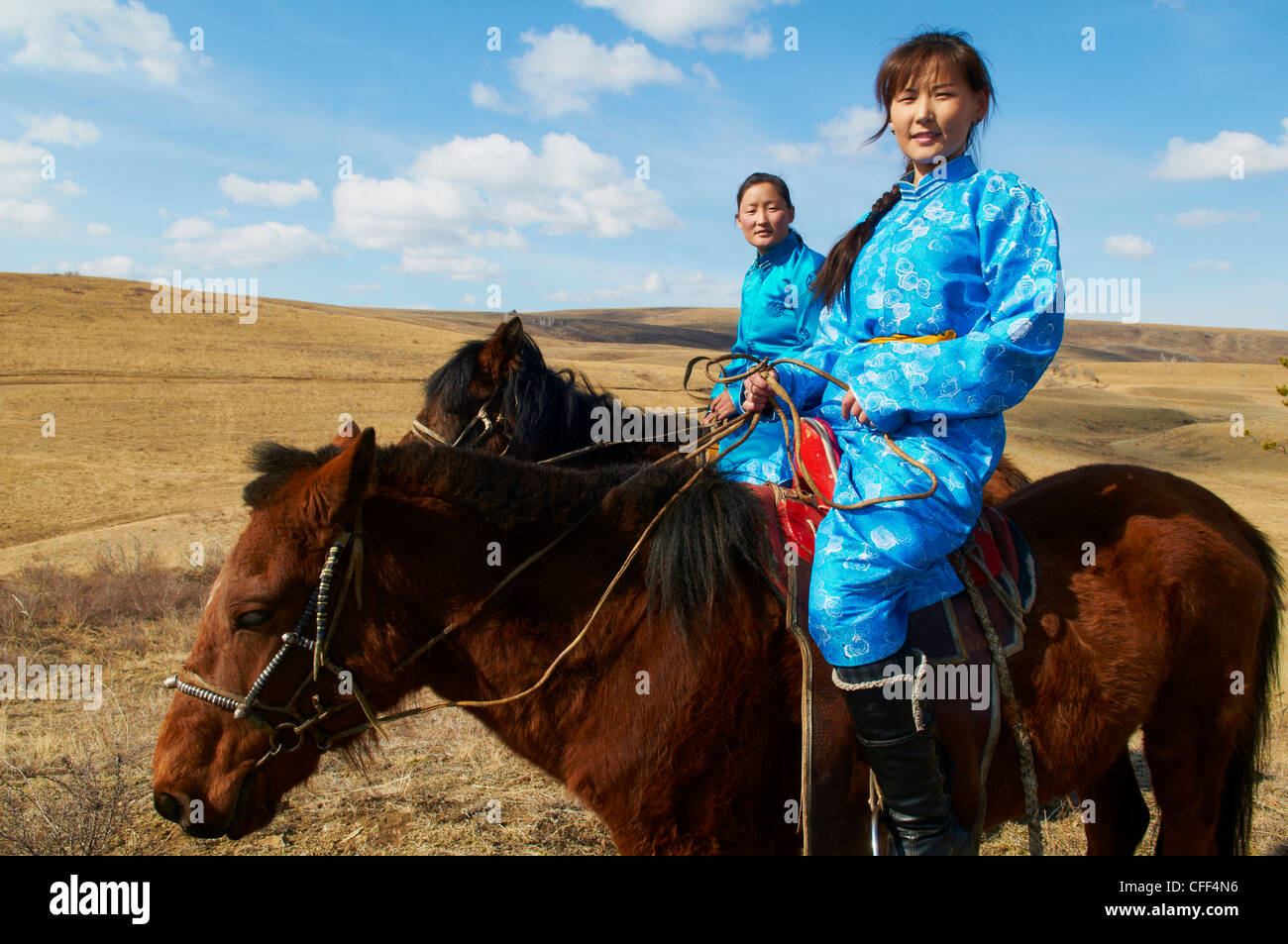 young-mongolian-women-in-traditional-cos