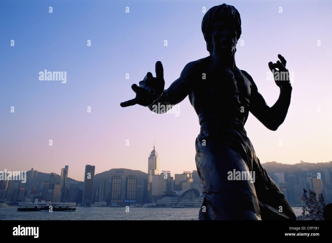China, Hong Kong, Kowloon, Tsim Sha Tsui, Avenue of the Stars, Bruce Lee Statue - Stock Image