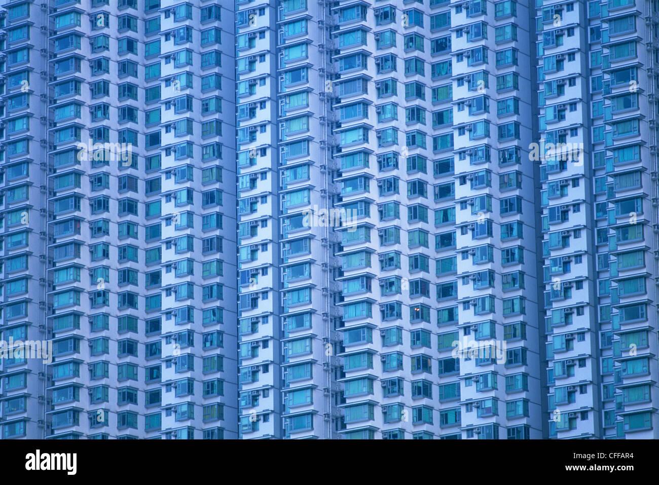 China, Hong Kong, Lantau, Tung Chung, Typical new Town Housing Hi-rise Apartment complex - Stock Image