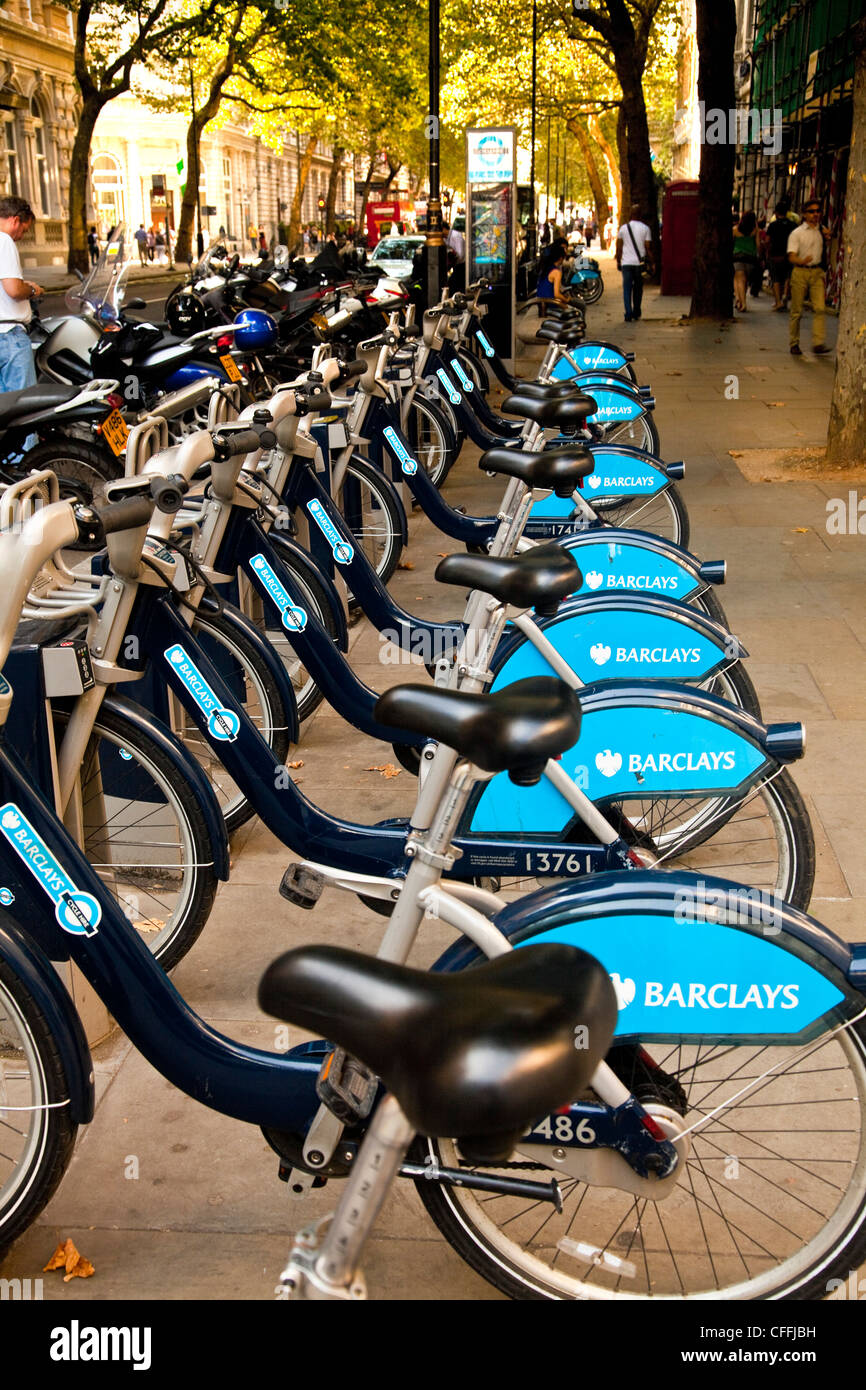 Cycles available for hourly rent in London - Stock Image