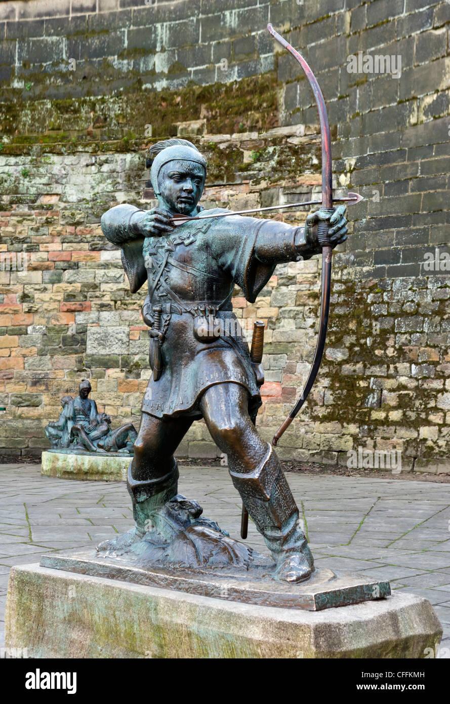 Statue of Robin Hood on Castle Road outside Nottingham Castle, Nottingham, Nottinghamshire, England, UK - Stock Image