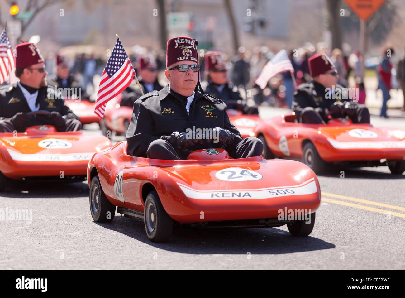 Mini Corvettes driven by Kena 500 members of Fairfax, Virginia - Stock Image