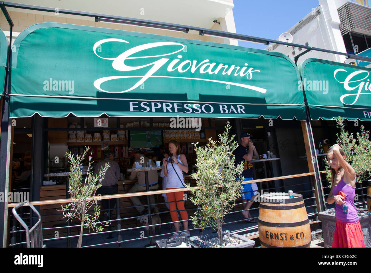 Cafe Bar Deli Stock Photos & Cafe Bar Deli Stock Images - Alamy