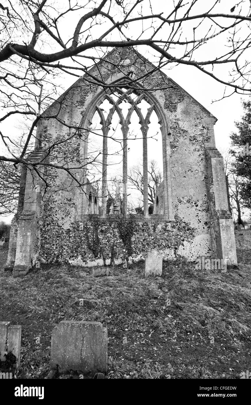 The ruin of the abandoned church, St. Mary's at Tivetshall in Norfolk, East Anglia, England. Black and white. - Stock Image