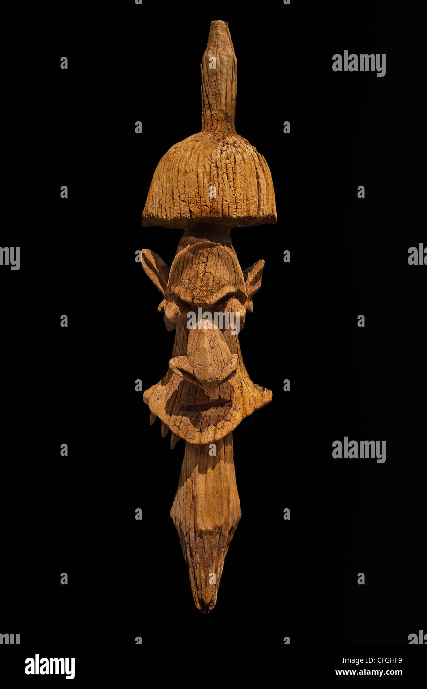 Fragment  roof finial clan house sculpture  Kanak people Houp New Caledonia 18th century - Stock Image