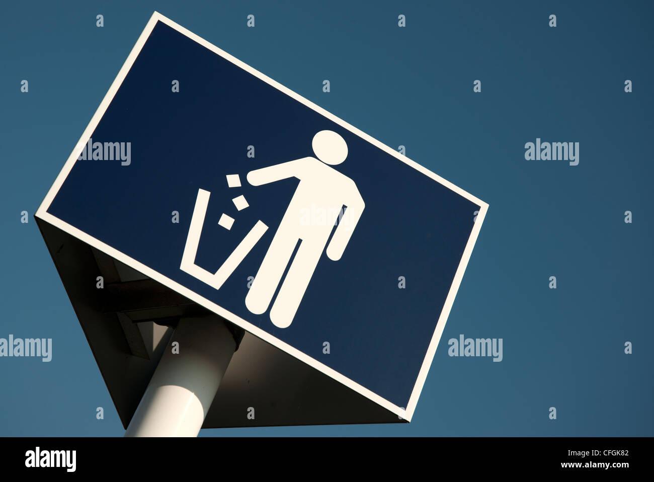 litter bin, trash can sign - Stock Image