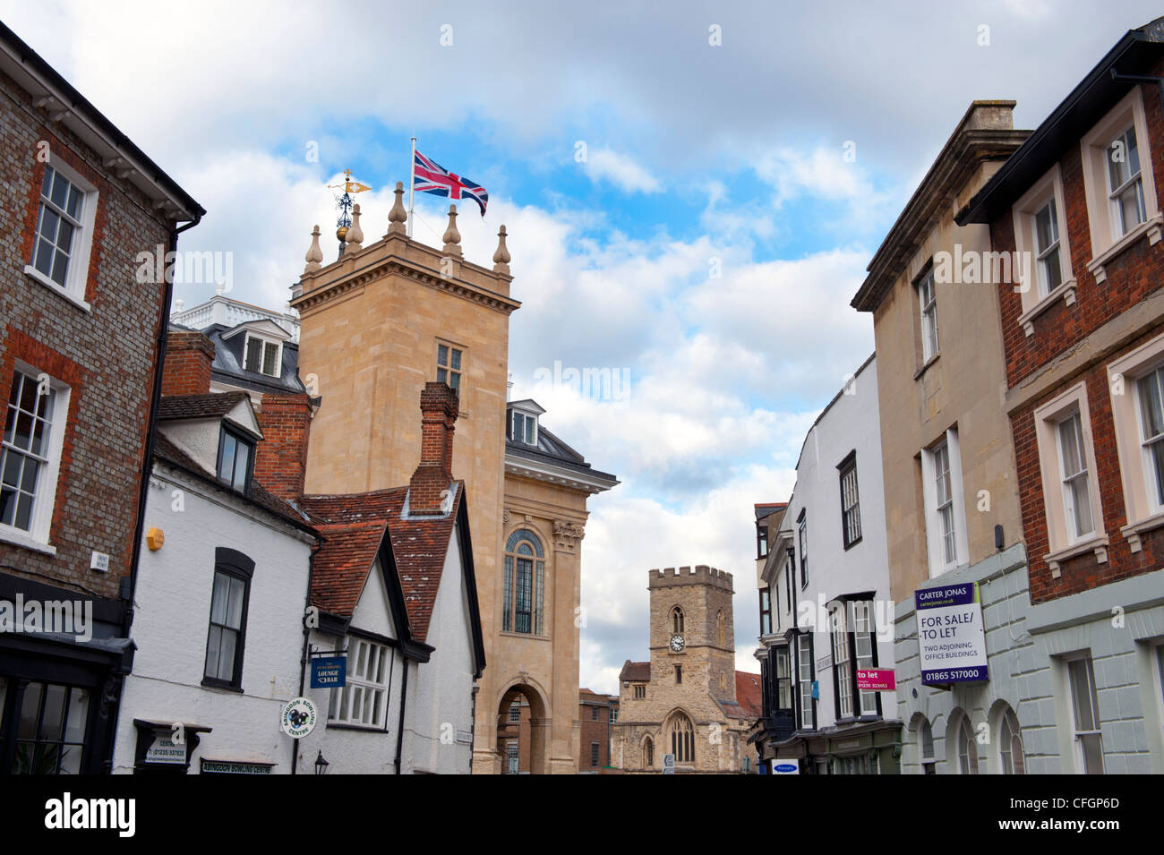 Abingdon, Oxfordshire, showing the old County Hall. - Stock Image