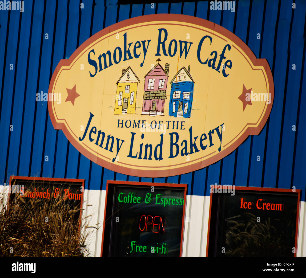 Smokey Row Cafe and Jenny Lind Bakery is a popular restaurant and bakery in Red Wing, Minnesota. - Stock Image