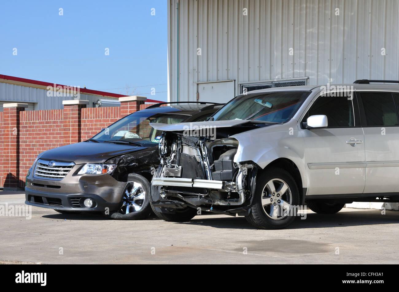 Collision Repair Center >> Collision Repair Center Damaged Cars Stock Photo 44016393