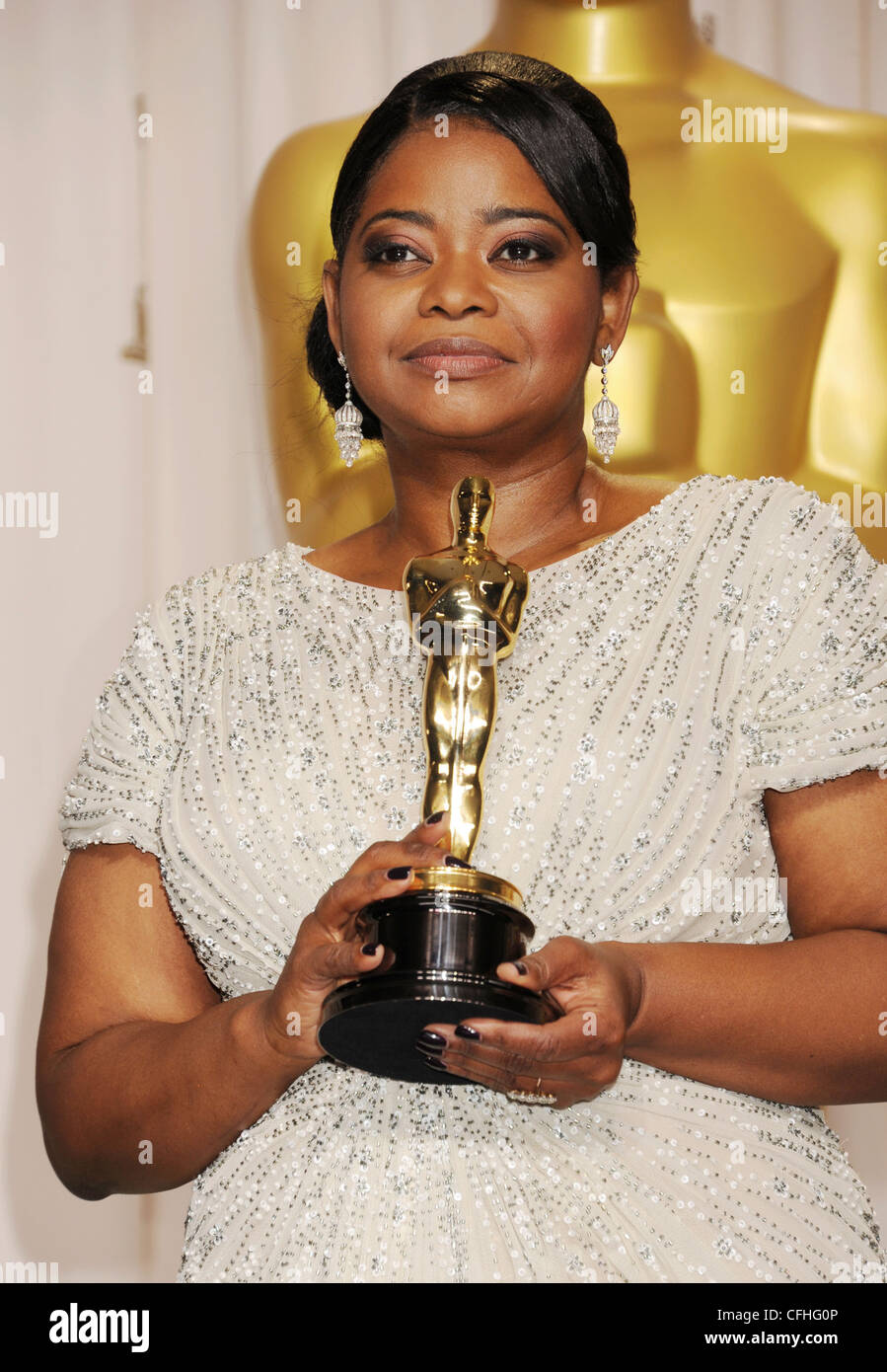 OCTAVIA SPENCER US film actress with her Oscar for The ... Images Of Octavia Spencer The Help