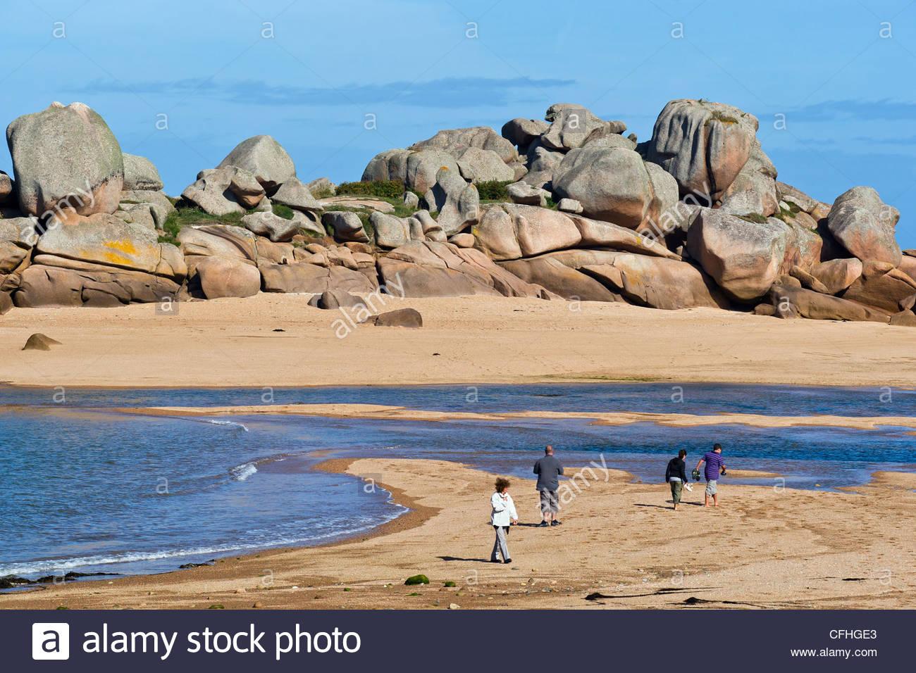 Tregastel (near Perros Guirec) : Presqu'île Renote on the Pink granite coast - Brittany - France Stock Photo