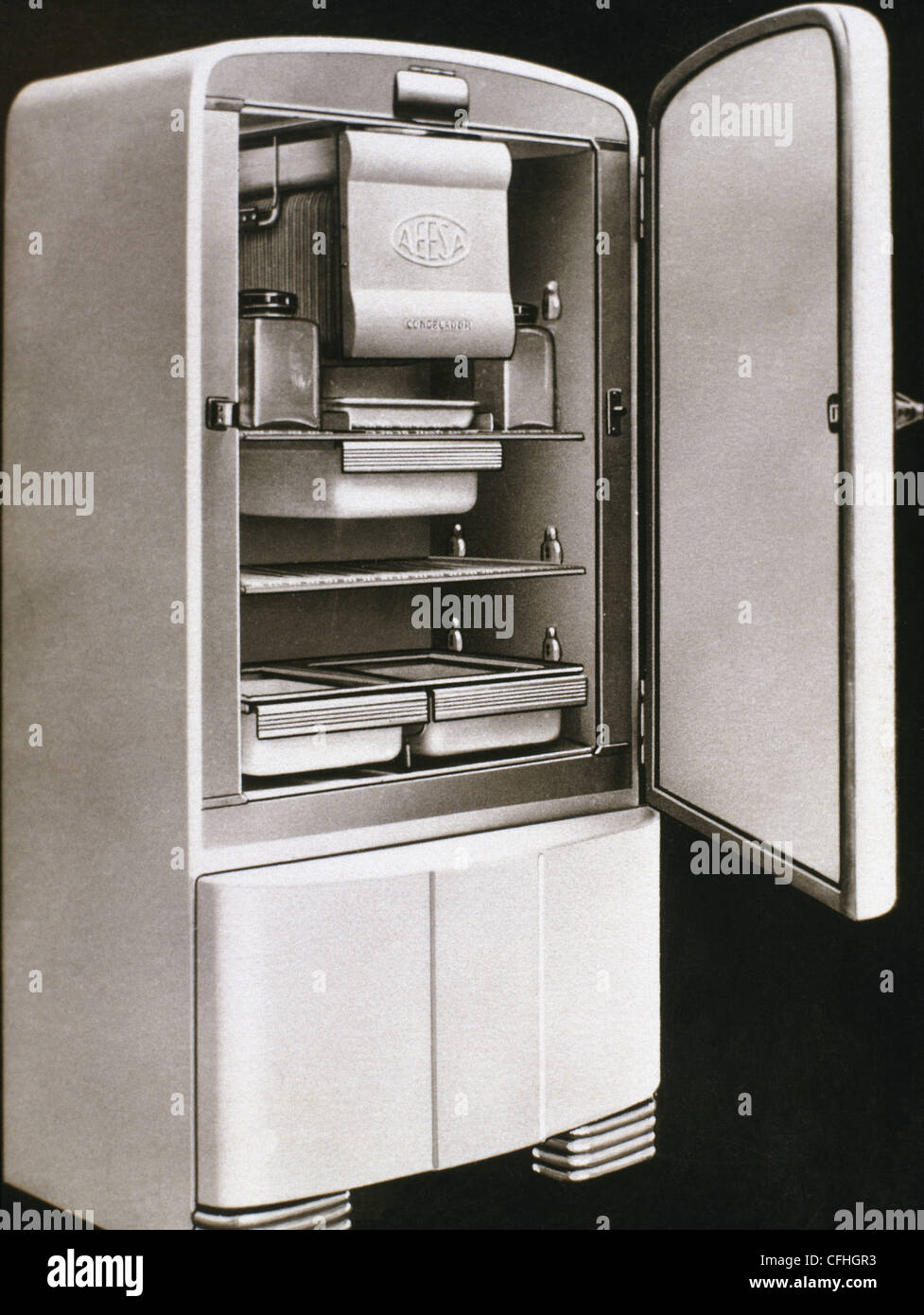 First electric refrigerator produced in Spain by AEESA brand (Anglo-Espanola de Electricidad SA). 50's. - Stock Image